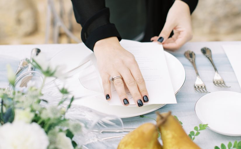 flat-lay-styling-design-tips-vicky-galata-weddings